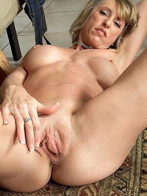 Horny Porn Pics