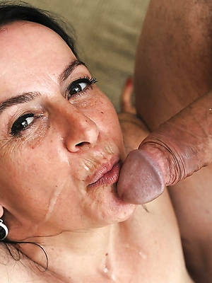 nude mature cumshot