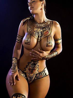 nude pic of women tatoo