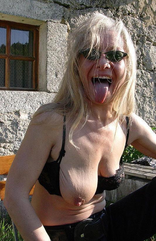 Granny tits saggy MATURE SAGGY