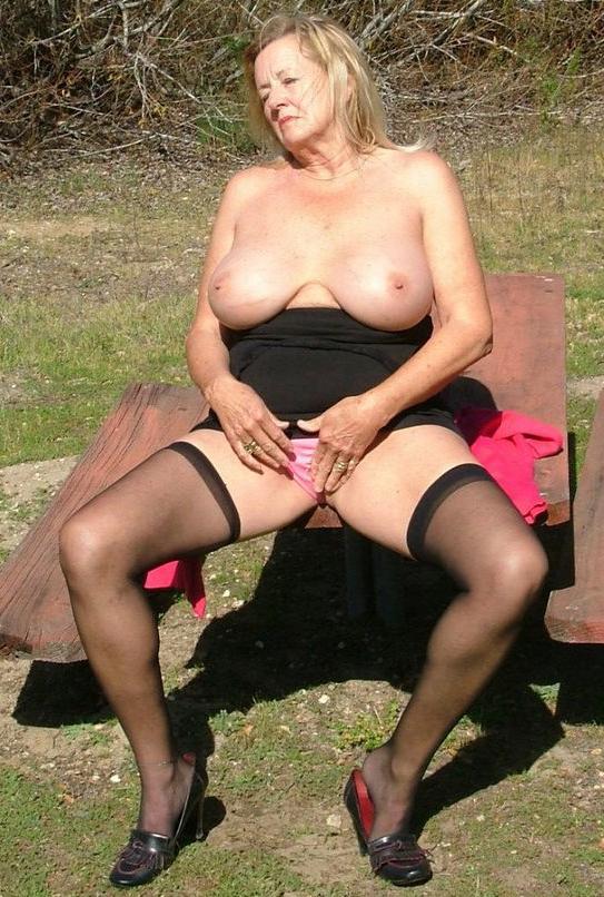 Sexy Hot Pornstar Masturbating