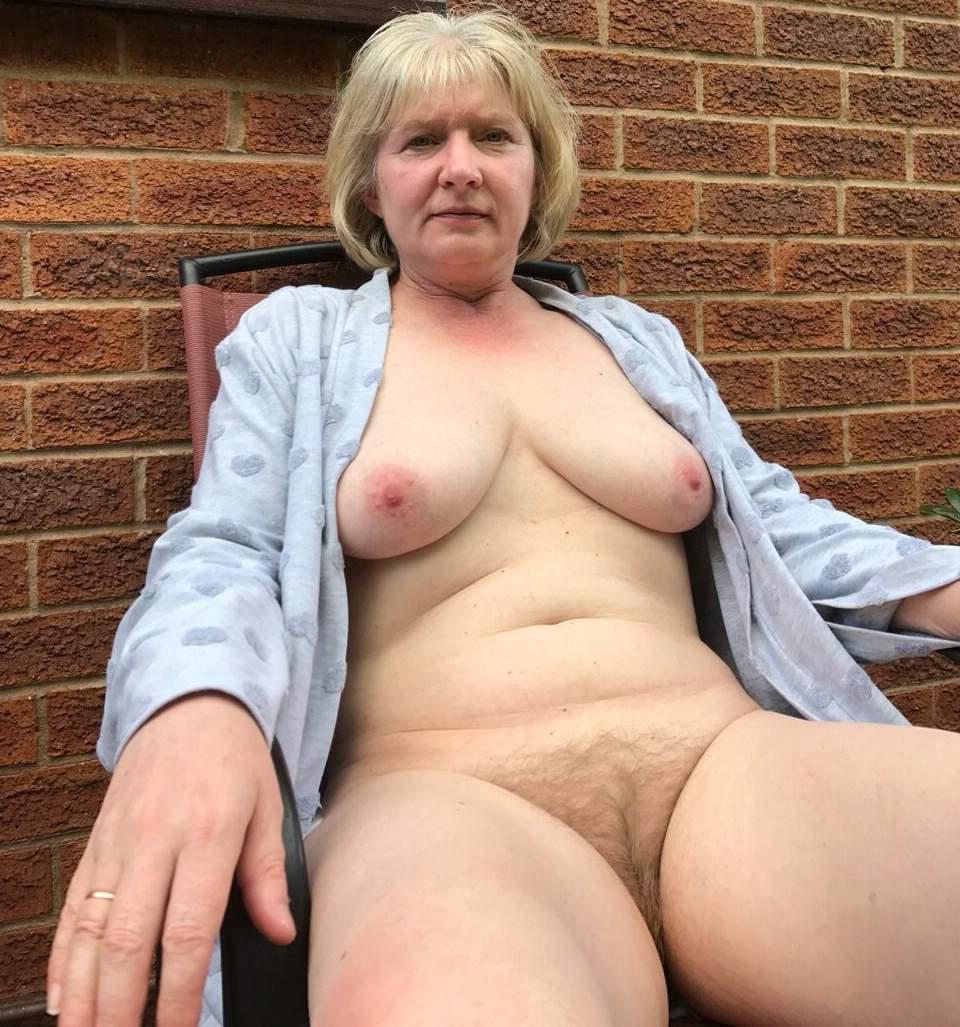 Women mature naked Homemade: 54,936